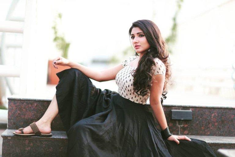 kalavani-mappillai-actress-adhiti-menon-latest--photoshoot-gallery-stills